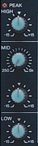 El ecualizador de tres bandas en la mezcladora. El MID es semi-paramétrico (frecuencia y gain) y permite ajustar el sonido de las voces eficazmente.